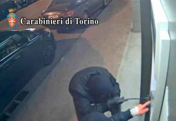 spargatori bancomate italia