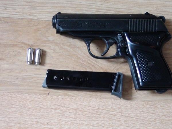 pistol cu gaz
