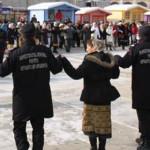 HAI SĂ DĂM MÂNĂ CU MÂNĂ! Vineri, 24 ianuarie, în Piaţa Tricolorului di...