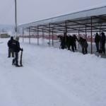 DÂMBOVIȚA: Beneficiarii de ajutor social, scoși la deszăpezire în Voin...