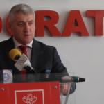 DÂMBOVIŢA: Consilierii care-şi supără şeful de partid sunt salvaţi de....
