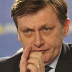 EXERCIŢIU DE PUTERE: Crin Antonescu cere dizolvarea proaspăt înfiinţat...