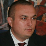 PRAHOVA: Primarul municipiului Ploieşti a fost reţinut de DNA pentru l...