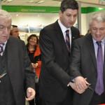 DÂMBOVIŢA: Boriga şi Ţuţuianu au inaugurat cu aceeaşi foarfecă noul Ma...