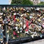 ARGEŞ: Lacătele iubirii se pot agăţa de astăzi şi în Piteşti