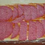 Carne veche cu data de expirare împrospătată în hipermarketuri