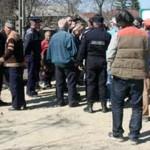ARGEŞ: Drumul din satul Prodani, blocat de localnici