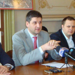 DÂMBOVIŢA: Cartierele Târgoviştei stăpânite astăzi de noroaie vor fi i...