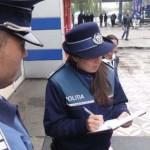 CĂLĂRAŞI: Şcoala din bar! Poliţiştii i-au dus la ore cu arcanul pe ele...