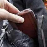 ARGEŞ: Hoţii de buzunare scuturaţi de poliţişti în târgul din Piteşti