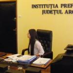 ARGEŞ: Mihail Oprescu a cedat scaunul de prefect unei eleve eminente