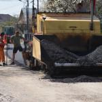 DÂMBOVIŢA: Primăria Pucioasa asfaltează în Glodeni Vale. Vezi unde se ...
