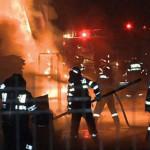 PRAHOVA: Incendiu la fabrica de mobilă din Mizil! Focul a fost stins d...