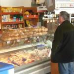 ARGEŞ: Jumătate din magazinele de la sate vând alimente expirate!