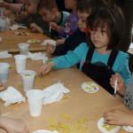 DÂMBOVIŢA: Ateliere de creaţie deschise la Centrul Judeţean de Cultură