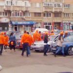 DÂMBOVIŢA: Protest al tinerilor PDL în toate oraşele din judeţ. Arma d...