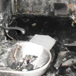 IALOMIŢA: A vrut să scape de ţânţari, dar şi-a dat foc la apartament!