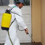DÂMBOVIŢA: Ploile amână dezinsecţia avio şi terestră la Titu