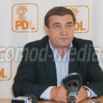 DÂMBOVIŢA: S-a trezit şi PDL! Iulian Vladu îşi apără primarul interima...