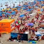 CADOU: Bugetarii se duc în vacanţă pe banii statului