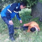 DÂMBOVIŢA: Ciobanul din... pădurea adormită a fost găsit de jandarmi d...