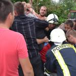 GIURGIU: Bătrână salvată de pompieri după ce a căzut într-un puţ! Oper...
