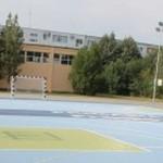 PRAHOVA: 12 şcoli din Ploieşti vor avea terenuri de sport cu suprafaţă...