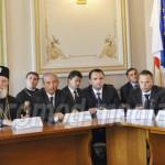 DÂMBOVIŢA: Fostul primar Teodor Bâte şi academicianul Mihai Cimpoi, ce...