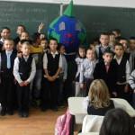 ECOATITUDINE: Elevii din Dâmboviţa luptă pentru un mediu sănătos, spri...