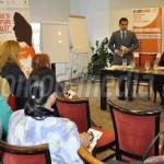 DÂMBOVIŢA: Femeile sunt ajutate să ocupe, pe piaţa muncii, aceleaşi po...