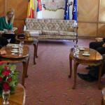 ARGEŞ: Problemele romilor, discutate cu ambasadorul Suediei la Bucureş...