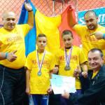 PERFORMANŢĂ: Doi copii din Găeşti sunt campioni mondiali la kickbox!