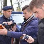 DÂMBOVIŢA: Jandarmii îi ajută pe liceeni să-şi decidă viitorul profesi...