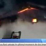 RĂSPLATĂ: Polițist argeșean, premiat pentru că a salvat din foc două f...