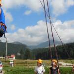 TABĂRĂ: Educaţie nonformală în Bucegi! 30 de liceeni participă la