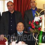 DÂMBOVIŢA: Voineşteanul Constantin Ilinca a sărbătorit 100 de ani de v...
