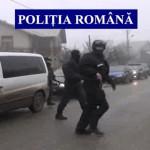DÂMBOVIŢA: Patru spărgători de case reţinuţi de poliţişti