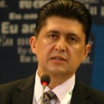 DEMERS: Un senator le cere actorilor politici să semneze