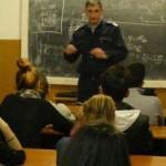 CĂLĂRAŞI: Lecţie despre infracţionalitate! Jandarmii, la sfat cu elevi...