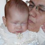 CAMPANIE: Ajutaţi o copilă de 7 luni să nu mai trăiască în întuneric!