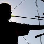 DÂMBOVIŢA: Robin Hood de Lucieni! A fost prins vânând ilegal cu arbale...