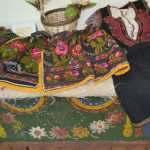 PRAHOVA: Expoziţie de costume tradiţionale şi podoabe ceremoniale bulg...
