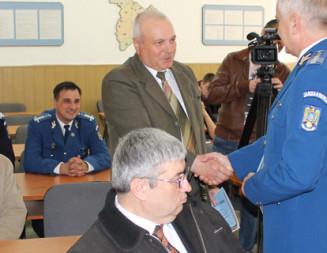 GIURGIU: Jandarmii şi-au onorat cinci camarazi de arme, formatori ai actualei generaţii de militari profesionişti