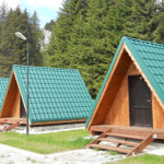TIMP LIBER: Campingul Zănoaga, un loc perfect pentru relaxare în mijlo...