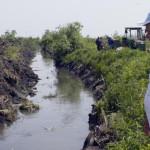 DÂMBOVIŢA: La adăpost de inundaţii! Primăria Titu decolmatează şi regu...
