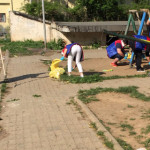 EXEMPLU: Tinerii UNPR-işti i-au scos pe târgovişteni la curăţenie! FOT...