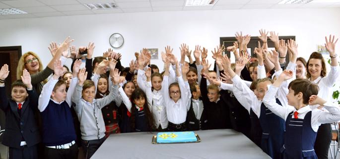 elevi scoala modelu 4