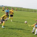 FOTBAL: Flacăra Moreni şi Atletic Fieni s-au calificat în finala Cupei...