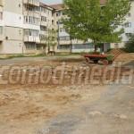 DÂMBOVIŢA:  Primăria Târgovişte a dărâmat garajele din Micro III şi am...