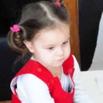CAMPANIE: Donează şi tu pentru ca micuţa Alesia să nu trăiască într-o ...
